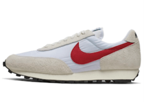 Nike Daybreak White University Redの写真