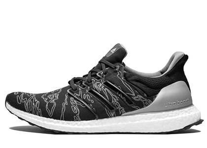 Undefeated × Adidas Ultra Boost  Performance Running Blackの写真