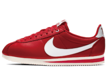 Nike × Stranger Things Cortez Hawkins High School Redの写真