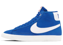 Nike × Stranger Things Blazer Mid  Hawkins High School Royal Blueの写真