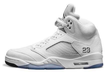 Nike Air Jordan 5 Retro Metallic White (2015)の写真