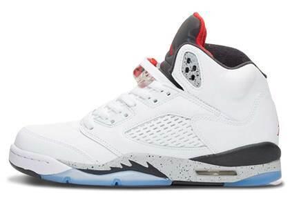 Nike Air Jordan 5 Retro White Cement GSの写真