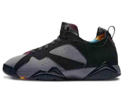 Nike Air Jordan 7 Retro Low Bordeauxの写真