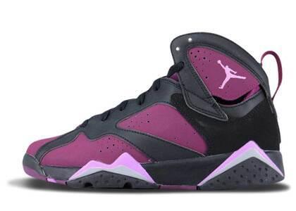 Nike Air Jordan 7 Retro Mulberry GSの写真