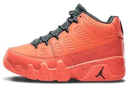 Nike Air Jordan 9 Retro Low Bright Mangoの写真