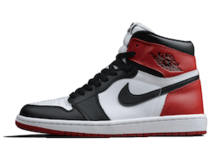 Nike Air Jordan 1 Retro High OG Black Toe (2016)の写真