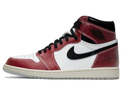 Nike Air Jordan 1 Retro Trophy Room Varsity Redの写真
