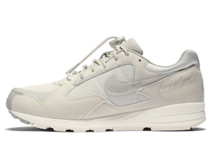 Nike Air Skylon 2 Fear of God Light Boneの写真