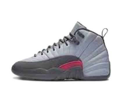 Nike Air Jordan 12 Retro Wolf Grey Vivid Pink PSの写真