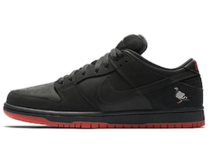 Nike SB Dunk Low Black Pigeonの写真