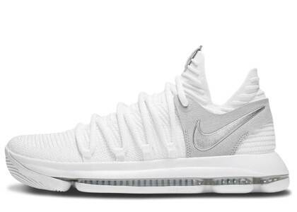 Nike KD 10 Still KD (SNKRS Exclusive With Pin Set)の写真
