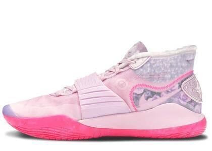 Nike KD 12 Aunt Pearlの写真