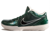 Nike Kobe 4 Protro Undefeated Milwaukee Bucksの写真