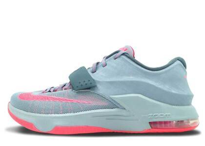 Nike KD 7 Calm Before the Stormの写真