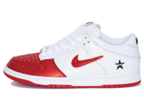 Nike SB Dunk Low Supreme Jewel Swoosh Redの写真