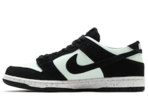 Nike SB Dunk Low Barely Greenの写真