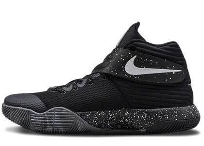 Nike Kyrie 2 EYBLの写真
