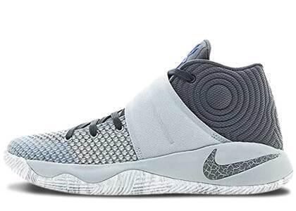 Nike Kyrie 2 Omegaの写真