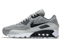 Nike Air Max 90 Ultra Wolf Greyの写真