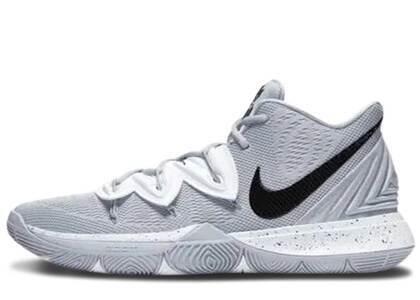 Nike Kyrie 5 Team Wolf Grey Blackの写真