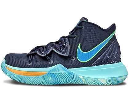 Nike Kyrie 5 UFOの写真