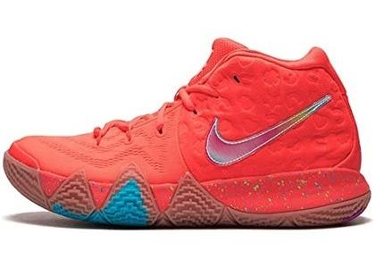 Nike Kyrie 4 Lucky Charmsの写真