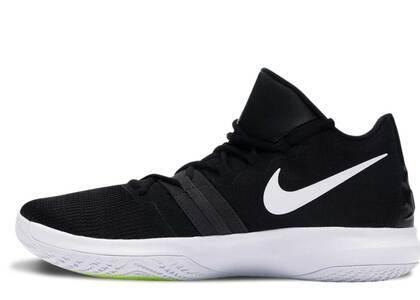 Nike Kyrie Flytrap Black Whiteの写真