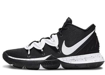 Nike Kyrie 5 Team Black Whiteの写真