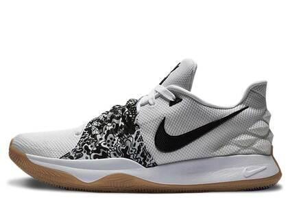 Nike Kyrie 4 Low White Blackの写真