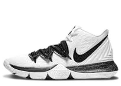 Nike Kyrie 5 Team White Blackの写真