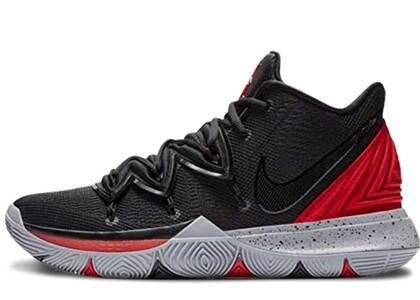 Nike Kyrie 5 Bredの写真