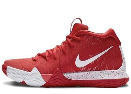 Nike Kyrie 4 University Redの写真