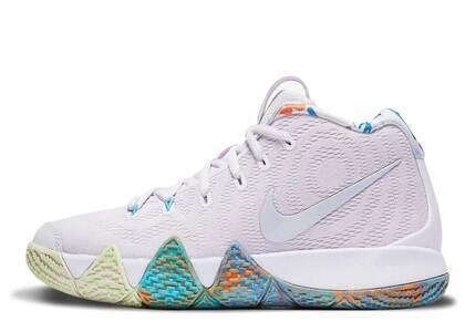 Nike Kyrie 4 90s GSの写真