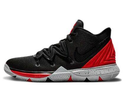Nike Kyrie 5 Bred GSの写真