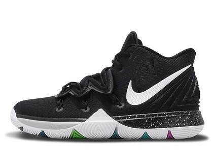 Nike Kyrie 5 Black Magic GSの写真