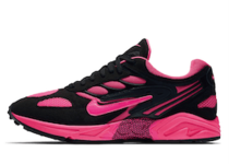 Nike Air Ghost Racer Black Pinkの写真