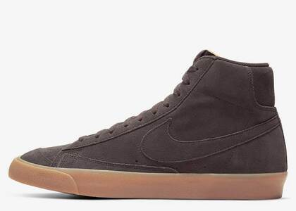 Nike Blazer Mid 77 Suede Velvet Brownの写真