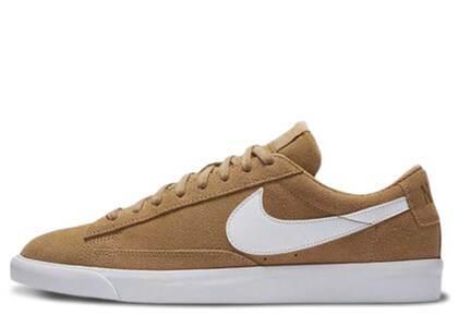 Nike Blazer Low Elemental Gold Whiteの写真