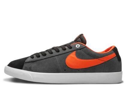 Nike SB Blazer Low GT Black Turf Orange Anthraciteの写真