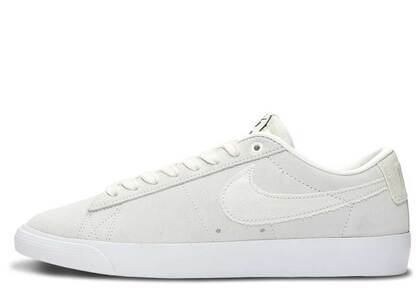 Nike SB Blazer Low GT Summit Whiteの写真