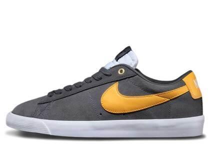 Nike SB Blazer Low GT Dark Grey University Goldの写真