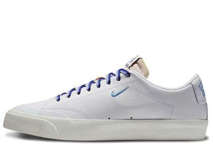 Nike SB Blazer Low XT Quartersnacks Whiteの写真
