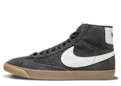 Nike Blazer Mid Suede Vintage Black White Gum Womensの写真