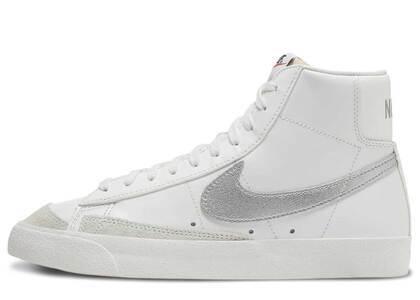 Nike Blazer Mid Summit White Light Bone GSの写真