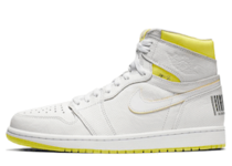 Nike Air Jordan 1 Retro High First Class Flightの写真