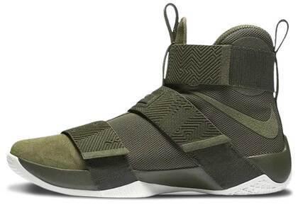Nike LeBron Zoom Soldier 10 Lux Cargo Khakiの写真