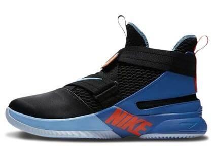 Nike LeBron Solider 12 Flyease Black Battle Blueの写真