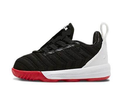 Nike LeBron 16 Red Carpet TDの写真