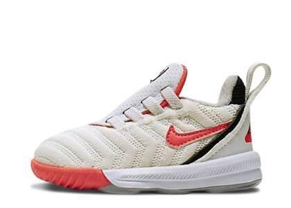 Nike LeBron 16 Whte Hot Lava TDの写真