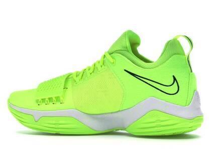 Nike PG 1 Voltの写真